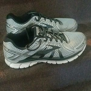 Brooks running sneakers size 11.5